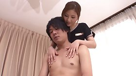 Massage superior Mio Kuraki gives a happy ending close by her client