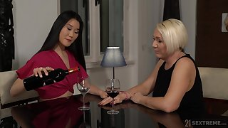 Mature Asian lesbian Katana fingered and licked by Bibi Pink